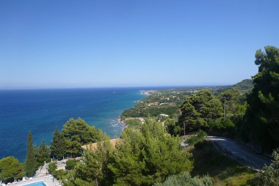 Katerina Palace Hotel: View from Agnadi