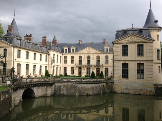 Chateau d'Ermenonville - La Table du Poete : Arrivée au Château