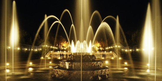 PARISCityVISION: Fountains night show if Versailles Palace