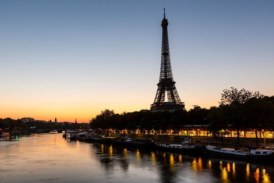 PARISCityVISION: Eiffel Tower by night