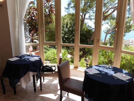 Blue Bay Hotel: Zona ristorante