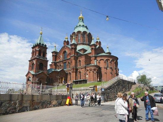 Uspenskin Cathedral (Uspenskin Katedraali): prospetto laterale della cattedrale