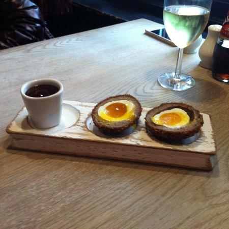 The Anchor and Hope: Il tradizionale succulento Scotch egg