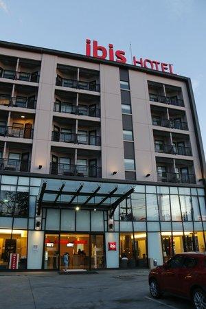 ibis Hua Hin: Hotel frontage
