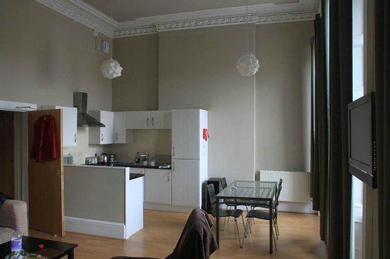 Destination Edinburgh Southside Apartments: Гостинная