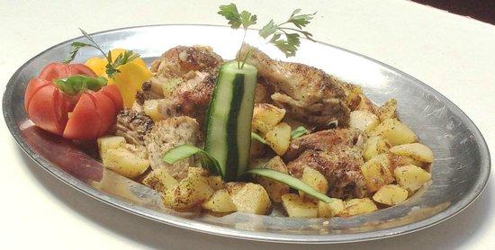 Club Hotel Iliochari: картошка печеная с курицей