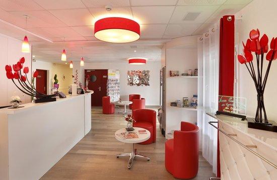 Inter Hotel Loval : LA RECEPTION DE L'HOTEL