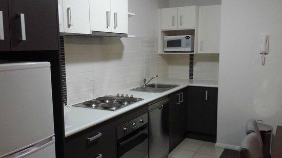 Mantra Wollongong: Kitchen