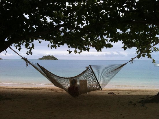 Malolo Island Resort: Hammock out the front of our bure