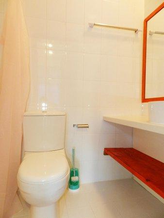 Sun Suites Maldives : Bathroom