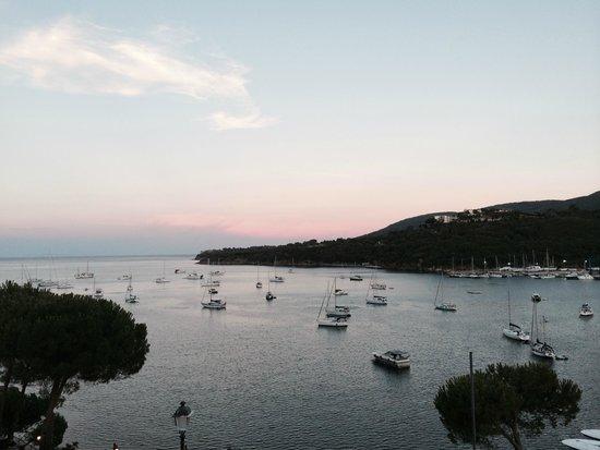 Ristorante La Caletta : Vista sul porto dal ristorante