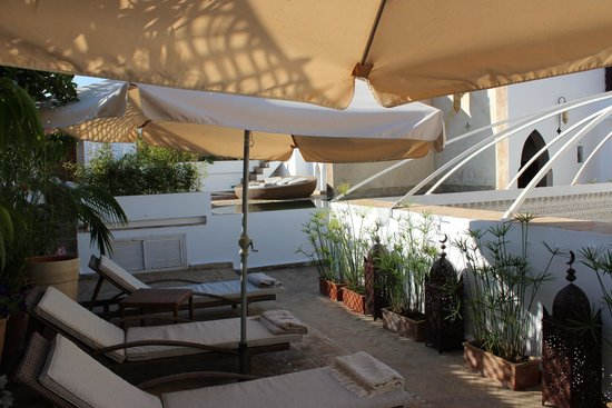 Riad Kalaa: vue de la terrasse et piscine