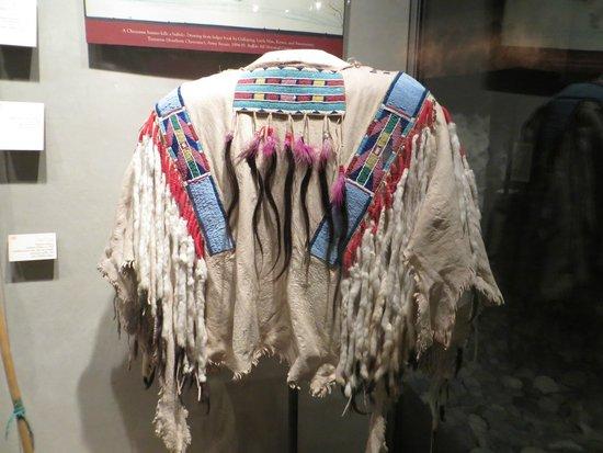 Buffalo Bill Center of the West: schön verzierte Kleidung