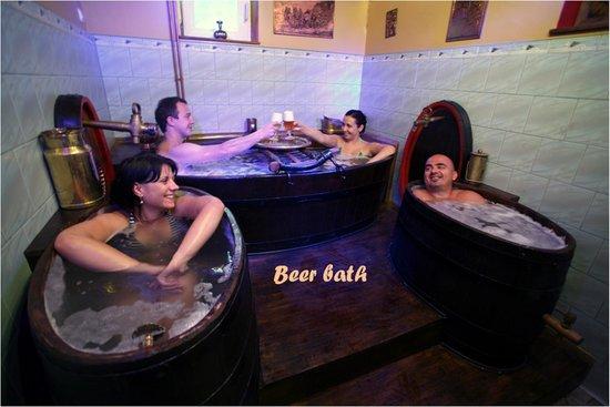 Hotel Garten: Beer bath