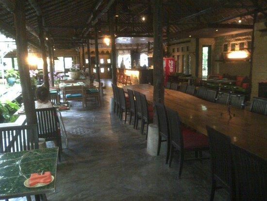 Ceramic Kitchen Phuket: Seating