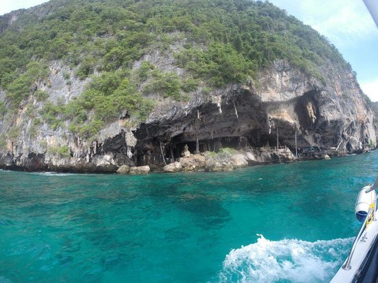 Simba Sea Trips: Viking Cave