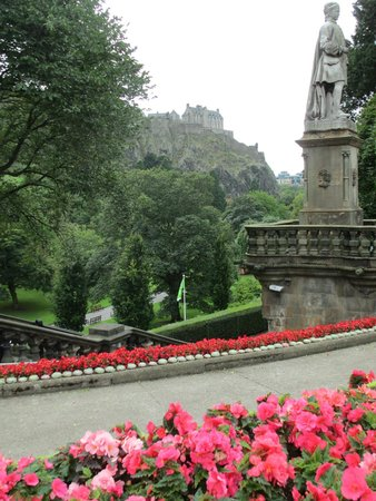 Princes Street Gardens : Every angle better than the last