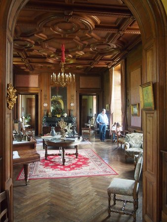 Château de Jallanges in Loire Valley : The lounge area at the Chateau