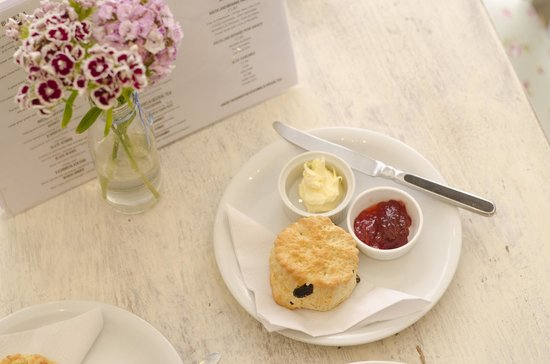 The Tea House: Fruit Scone with Clotted cream & Jam
