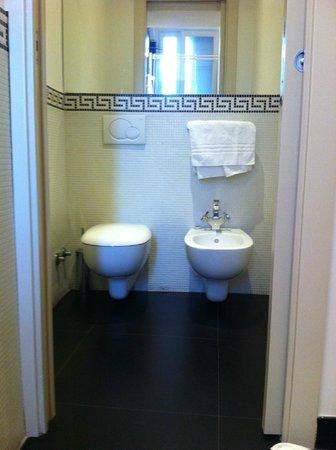 Pincio: Bathroom