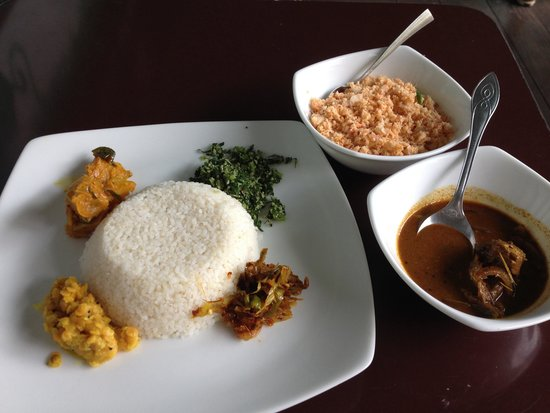 The Kandy Garden Cafe: local curry