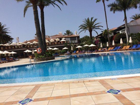 Seaside Grand Hotel Residencia: Swimming pool