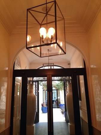 Only YOU Boutique Hotel Madrid: Entrance