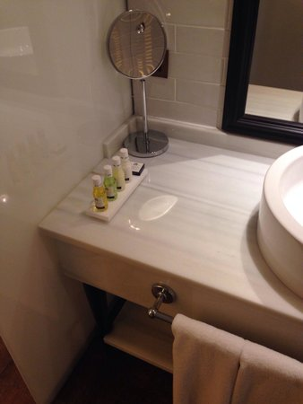 Only YOU Boutique Hotel Madrid: Bathroom