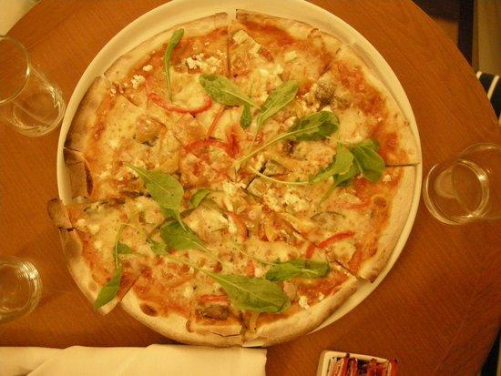 Woodlands Hotel & Resort: pizza