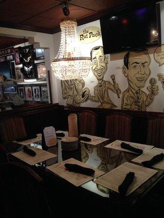 Delmonico's Italian Steakhouse : Part of the dinning area