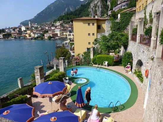 Hotel Splendid Palace: Lemon Grove Pool