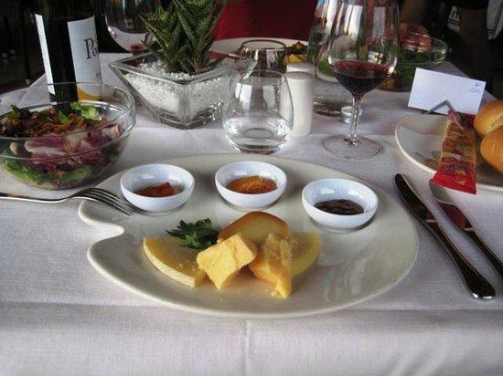 Poiano Resort Hotel: cena secondo piatto formaggi con mostarde