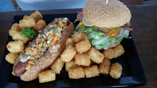 The Slider Shack: Metro burger and Giardiniera (G-Dog) hot dog with-tater tots