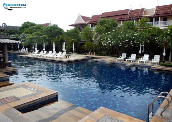 Phuket Kata Resort : pool in the courtyard