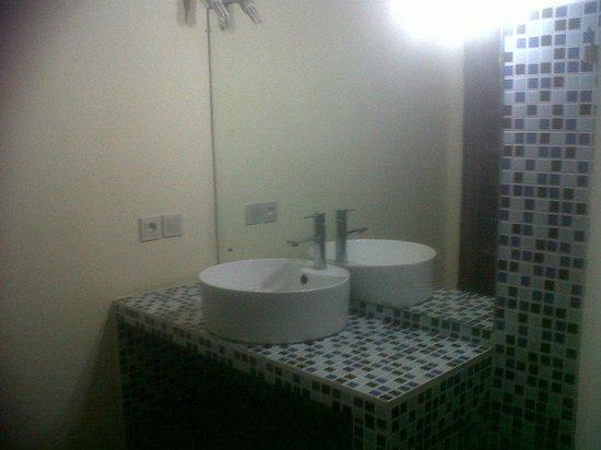 TigaLima Homestay: Kamar mandi