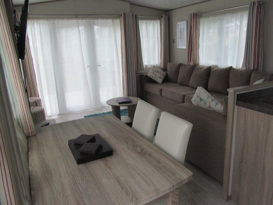 Piran Meadows Resort & Spa: View into lounge