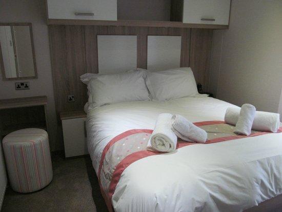 Piran Meadows Resort & Spa : Austell 2 master bedroom