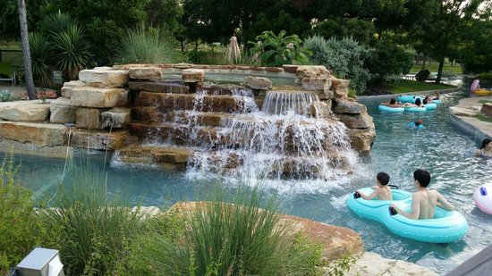 Hyatt Regency Lost Pines Resort and Spa: The lazy river is beautiful!