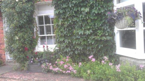 The Neptune Inn & Restaurant : Neptune front view