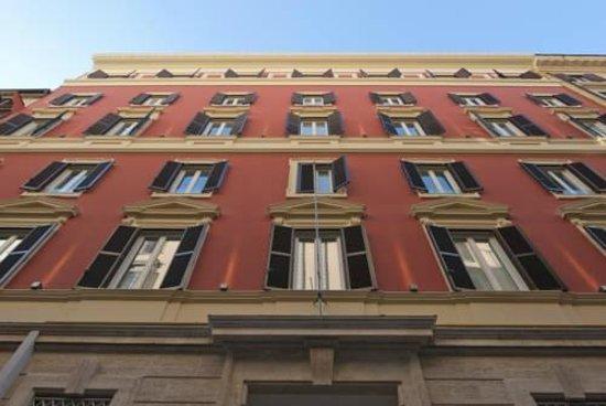 Hotel dei Borgia: в номере по два окна
