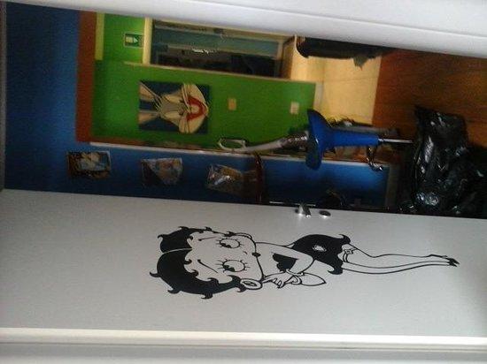 Comics guesthouse: quarto