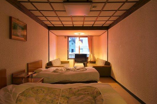 Hotel Sanraku: 洋室