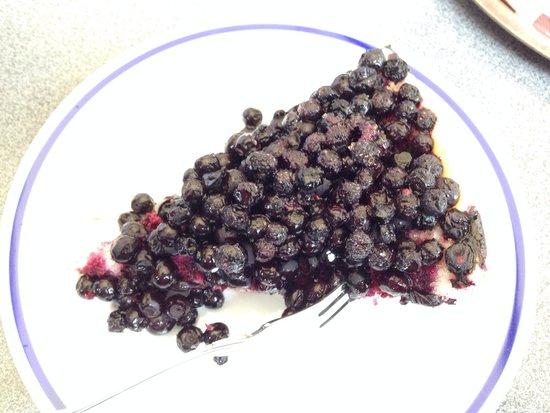 Cafe Konditorei Bachbeck: Blaubeertorte mit frischen wilden Blaubeeren