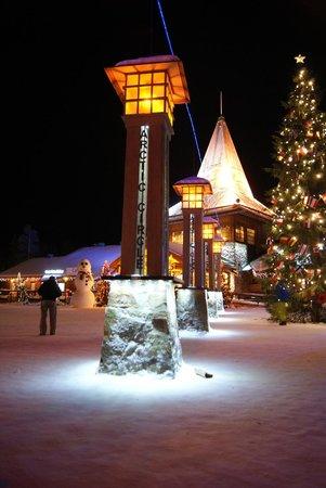 Santa Claus Holiday Village: linea del circolo polare artico