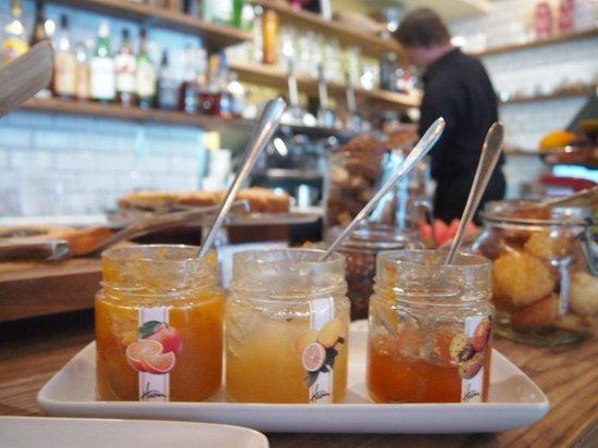 Klaus K Hotel: Italian style breakfast