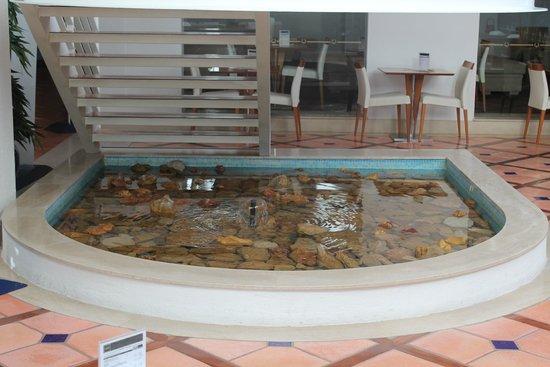 Tivoli Lagos Hotel: fontaine luna bar