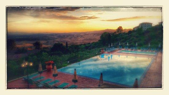 Park Hotel le Fonti: Kvällsfoto från terrassen
