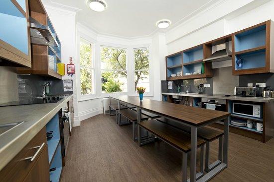YHA Cambridge: Self-Catering Kitchen