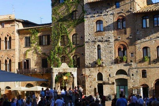 La Cisterna Hotel: Facciata Hotel