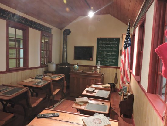 Museum of Idaho: The School Room